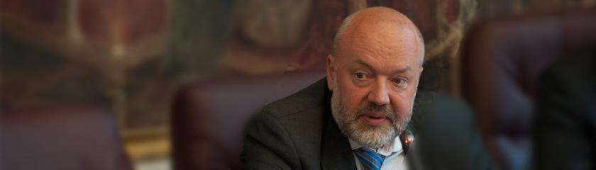 Паразиты упорно продолжают навязывать Ювенальную юстицию в России