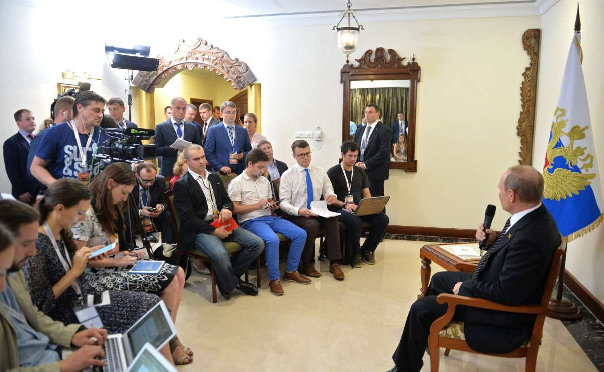 Владимир Путин в Индии ответил на вопросы российских журналистов