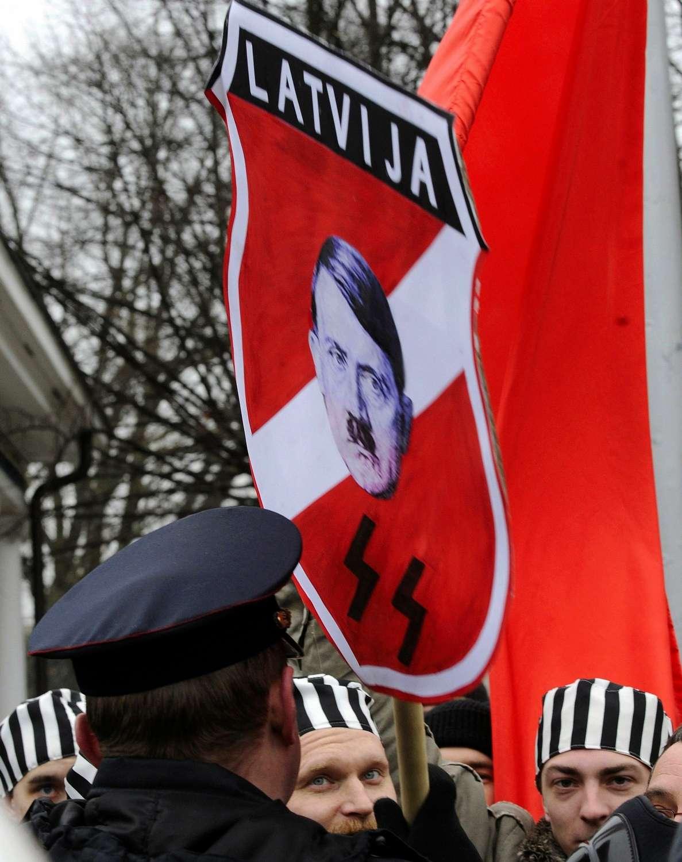 В Латвии принимаются фашистские законы против русских