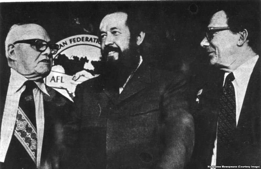 Солженицын – кумир подлецов и негодяев