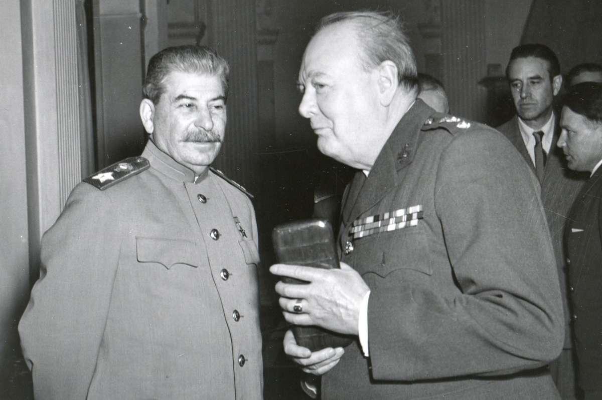 В Тегеране-43 паразиты заставили капитулировать Советский Союз