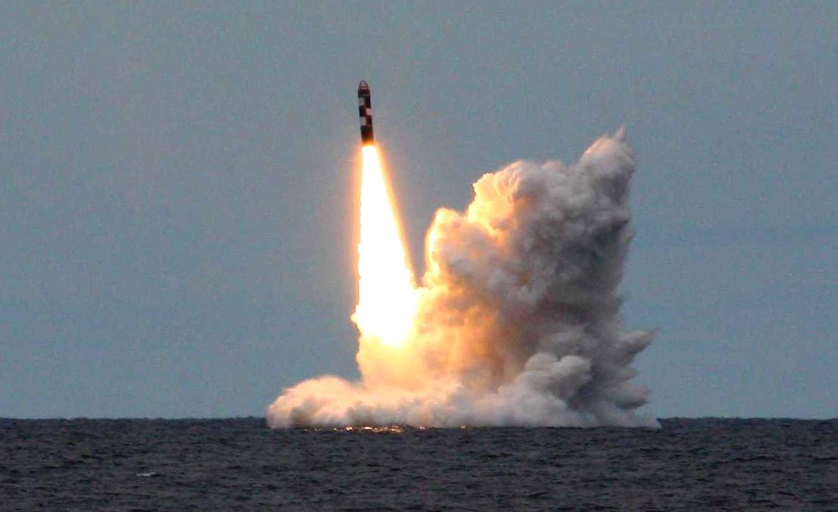 Америка стыдливо прячет свою ядерную дубинку