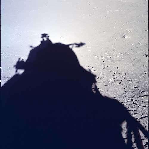 Высадка на Луну Аполлона снималась Стенли Кубриком в голливудской студии