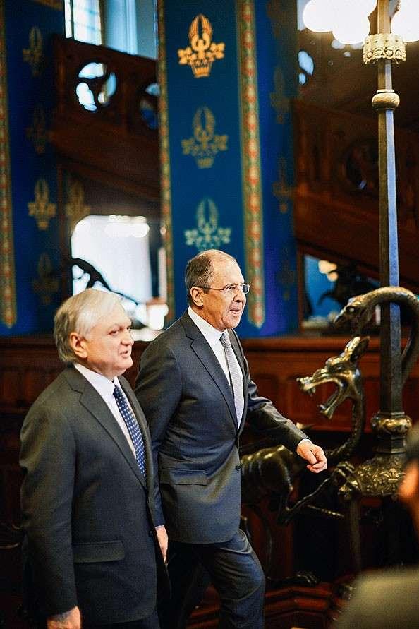 За Россию стоят русские богатыри – такие как Сергей Лавров