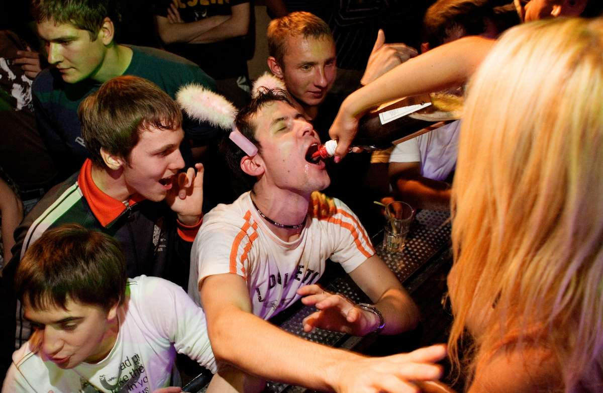 Алкогольная мафия срослась с продажной властью