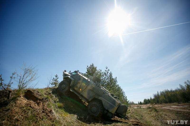 «Кайман» – новейший белорусский броневик: грозный снаружи, комфортный внутри