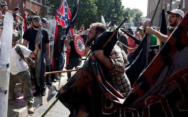 США: спасите нас от сионо-нацистов!