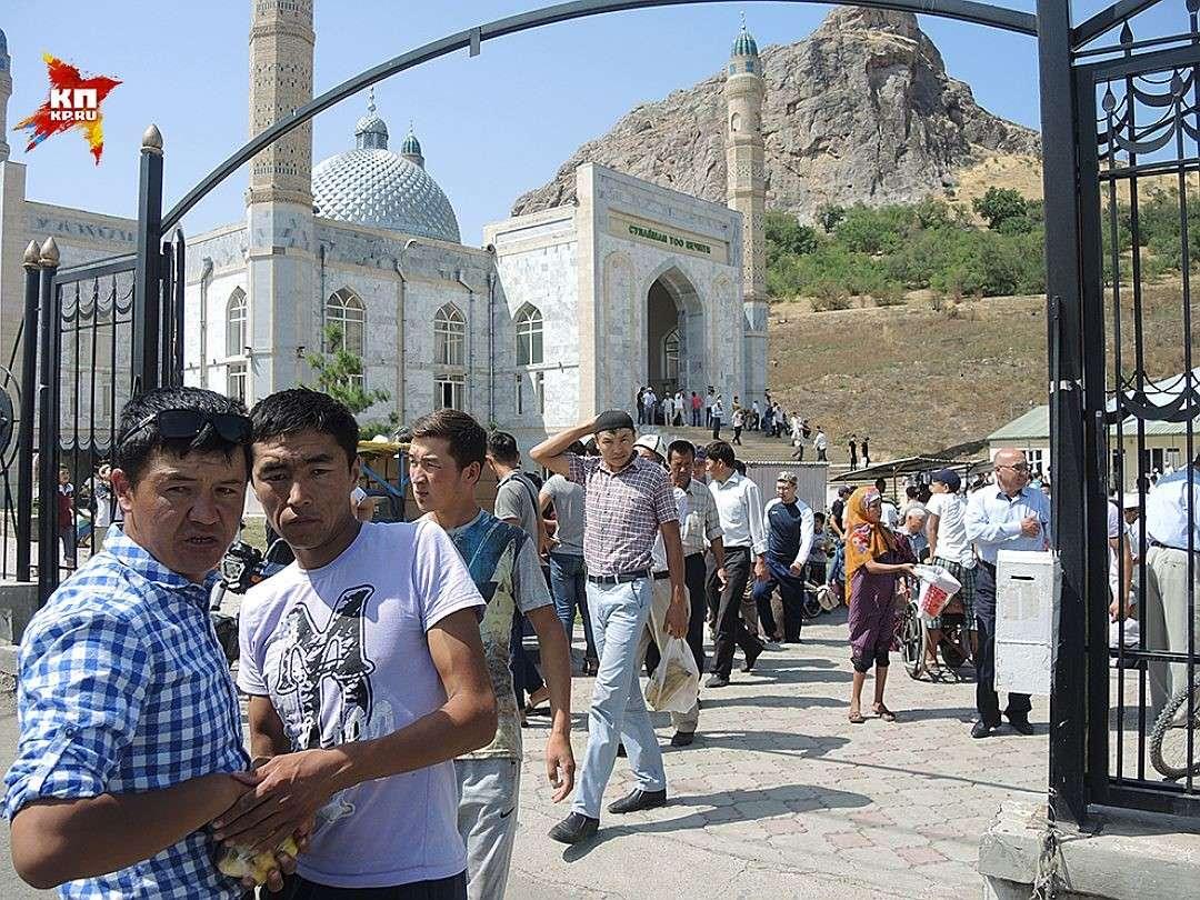 Ислам в Киргизии становится всё более радикальным и поглощает всю страну