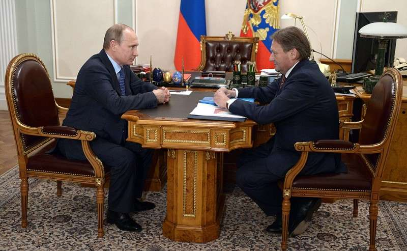 Владимир Путин нанёс удар по оборотням в полицейских погонах