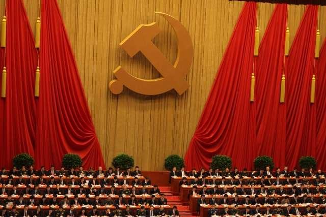 Китай утверждает Императора XXI века