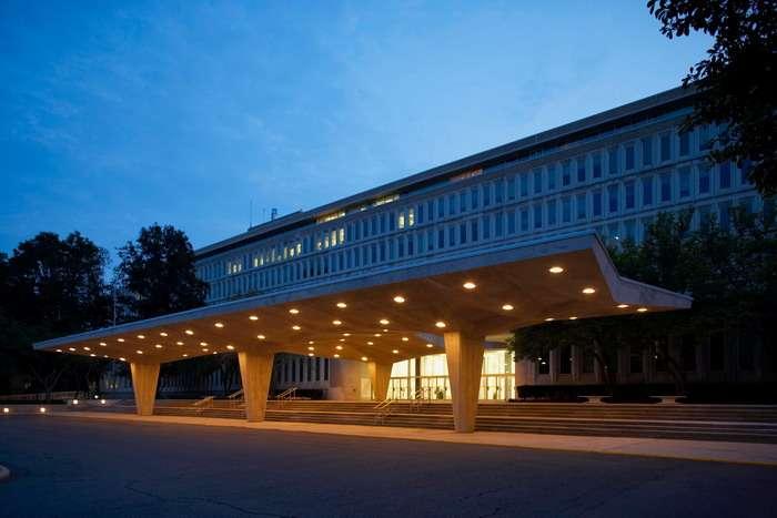 Как ЦРУ и ФБР тайно вербуют учёных из других стран