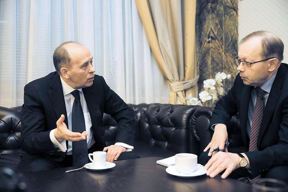 Глава ФСБ Александр Бортников рассказывает противостоянии спецслужб внутренним и внешним врагам России