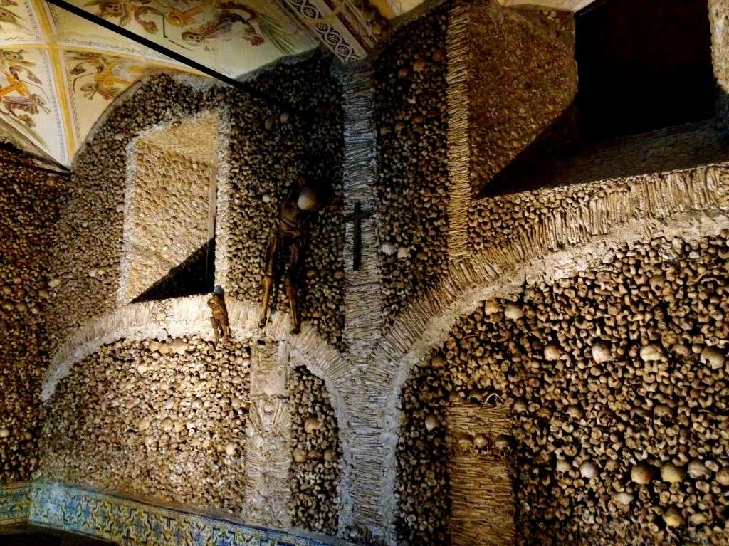 «Высокая» европейская культура и её неудобные артефакты