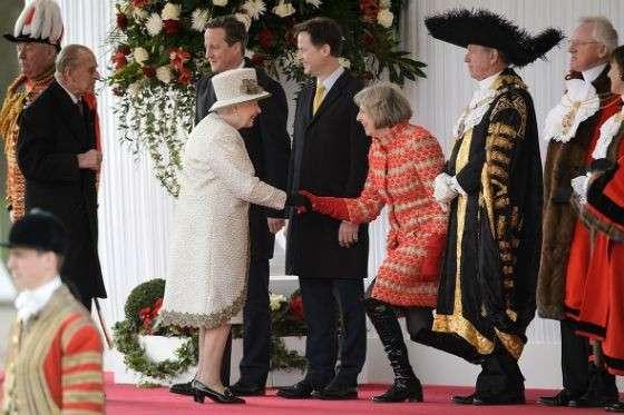 Королева Англии является одной из самых влиятельных паразитов на нашей планете