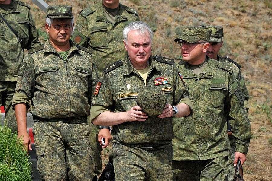 Смогут ли политруки укрепить нашу Армию?
