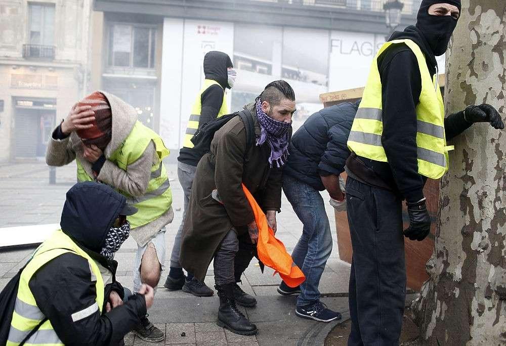 Франция. Протесты приближают возникновение Халифата в Европе