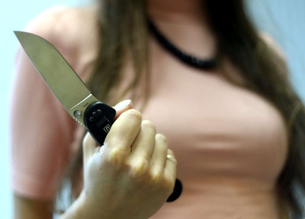 Женщины выступают как организаторы и заказчики убийств руками мужчин и остаются при этом безнаказанными