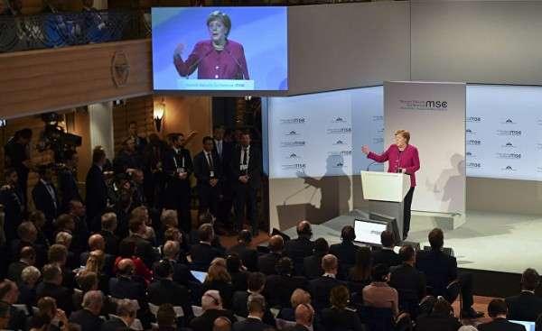 Меркель на Мюнхенской конференции по безопасности решила «хлопнуть дверью», а в ответ – овация! Бунт элит?