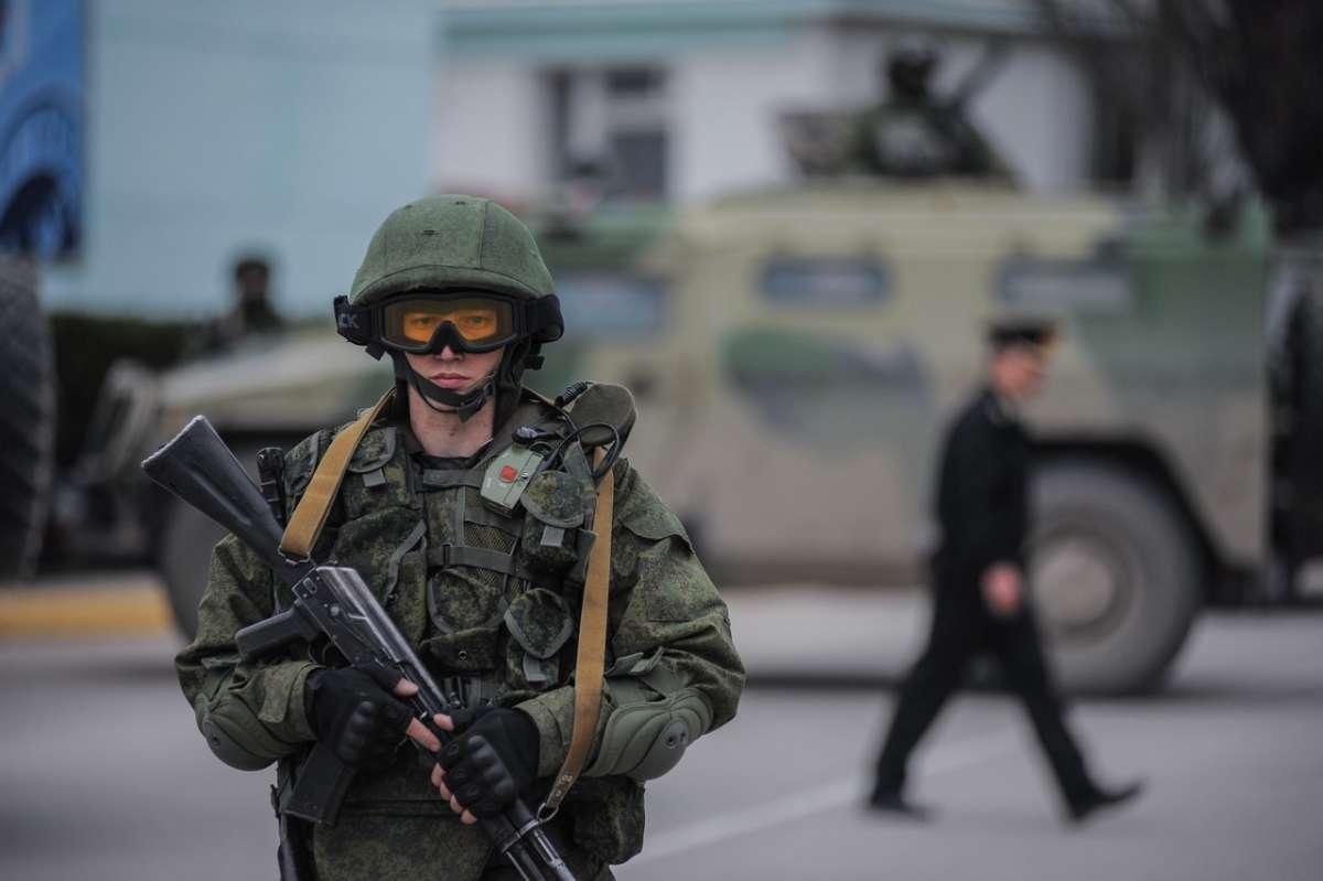 Новейшее российское оружие изменило мир и дало шанс освободится от западных паразитов