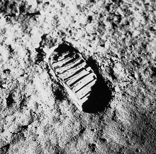 Общие сведения о лунной афёре «Аполлон» и проколы в имитации «полёта на Луну»