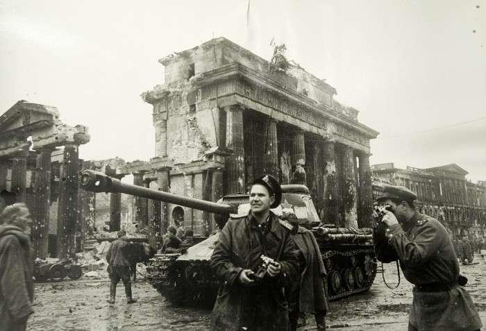 Союзники 10 мая в 1945 начали свою войну против России, уже глобальную войну