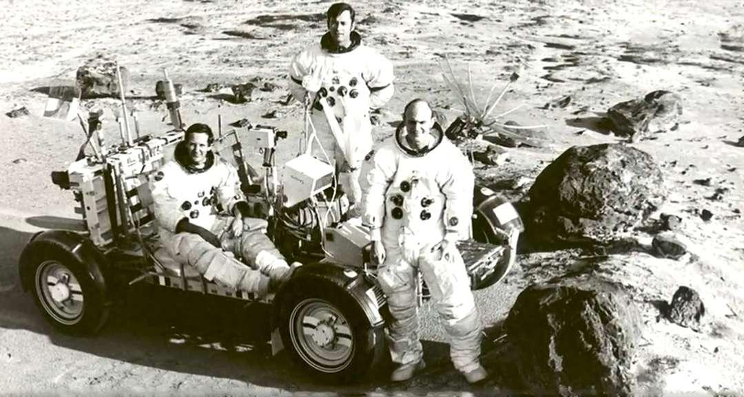 Лунная афёра – элемент общей иллюзии о величии США