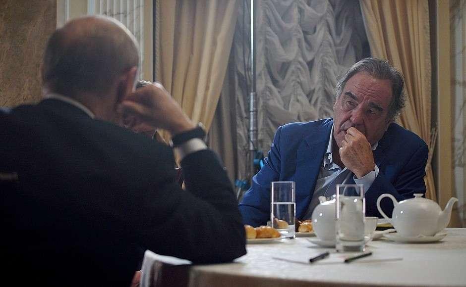 Владимир Путин дал интервью американскому кинорежиссёру, сценаристу и продюсеру Оливеру Стоуну