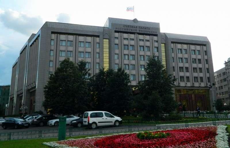 Почему реализация национальных проектов в России явно стопорится