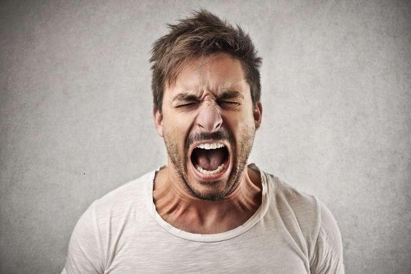 10 слабостей, через которые нами манипулируют