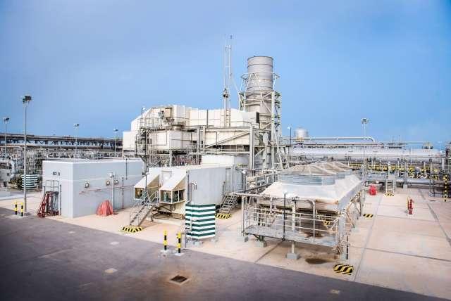 Почему Саудовская Аравия сама разбомбила свой нефтеперерабатывающий завод?