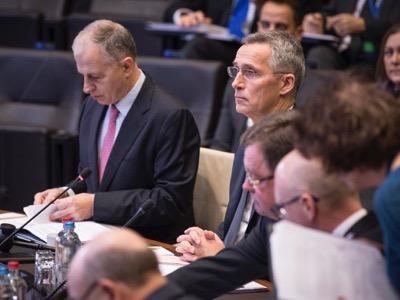 Запад с помощью НАТО, продолжит грабить страны Ближнего Востока
