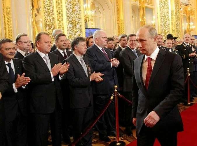 Поправки в Конституцию – план Путина по национализации элиты России
