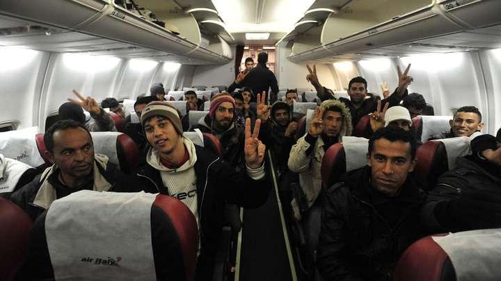 Российские чиновники не спешат помогать мигрантам и отправлять их на родину