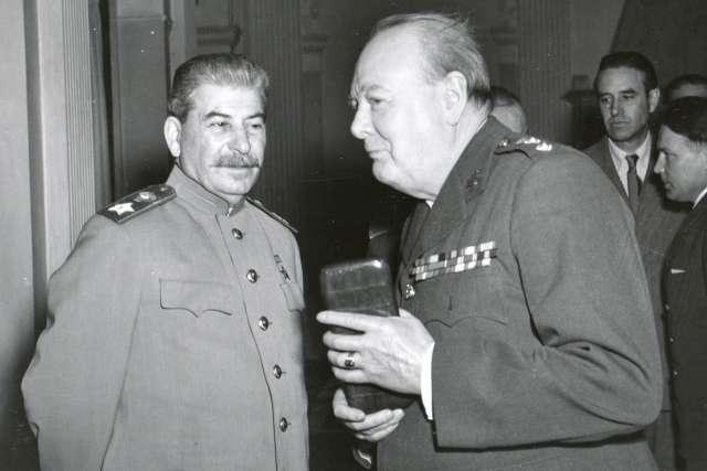 Как Сталин не дал спровоцировать третью мировую войну «союзников» Англии и США против СССР
