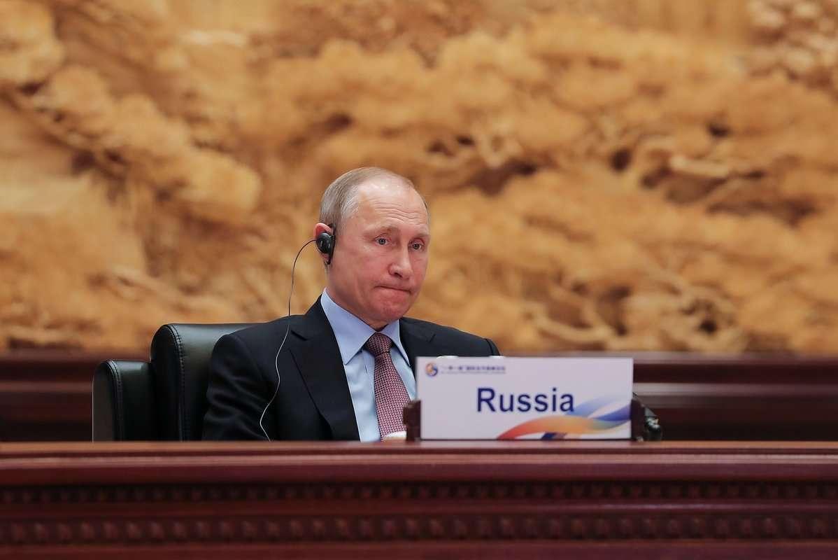 Большая стратегия Владимира Путина, выдержать оборону, пока Запад будет разрушаться