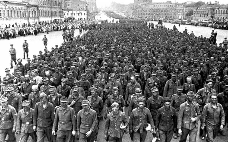 Тайная сторона марша пленных в Москве 1944 года. «Большой вальс» от Берии и Сталина