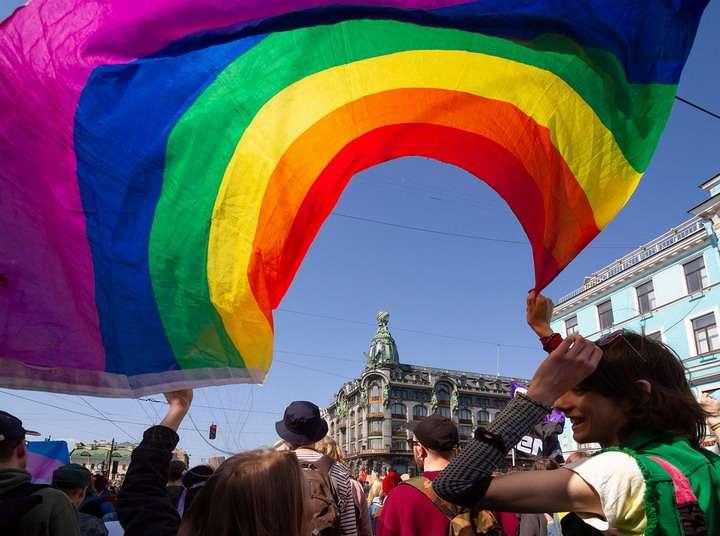 ЛГБТ извращенцы покорили Европу и рвутся в Россию
