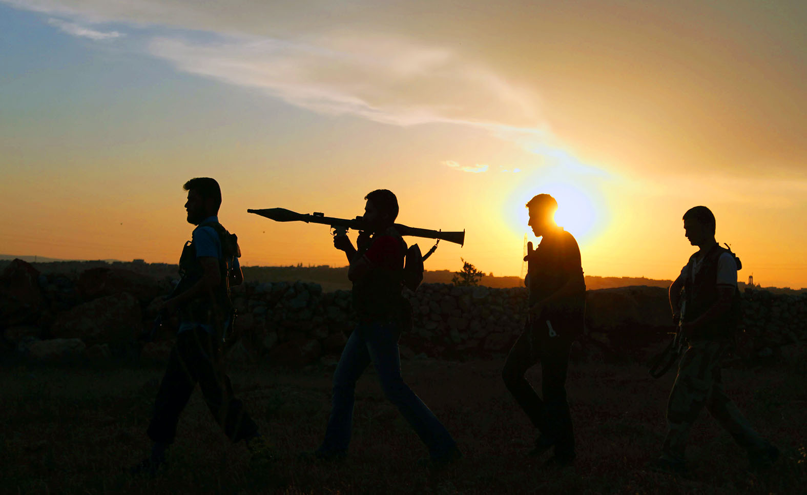 Россия стала добрым мировым полицейским, останавливающим беспредел западных гангстеров