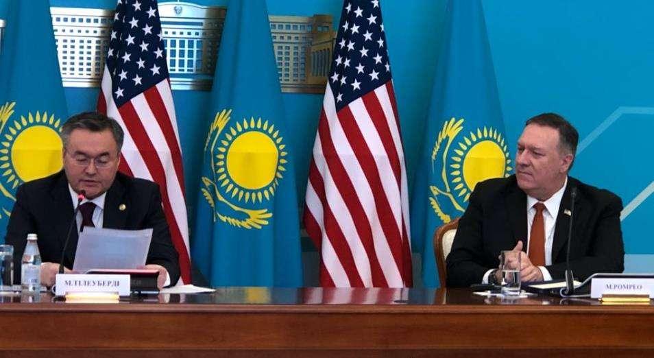 Казахстан по гроб жизни обязан России за своё существование