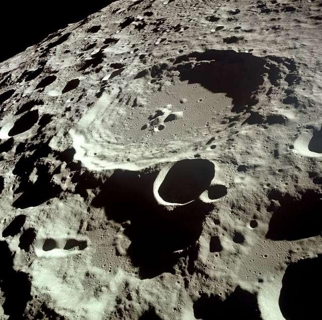 Китай и Россия полетят на Луну и построян там базу