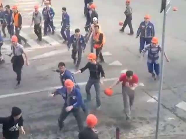 Мигранты делят Москву и плюют в русских. Пора наводить порядок!