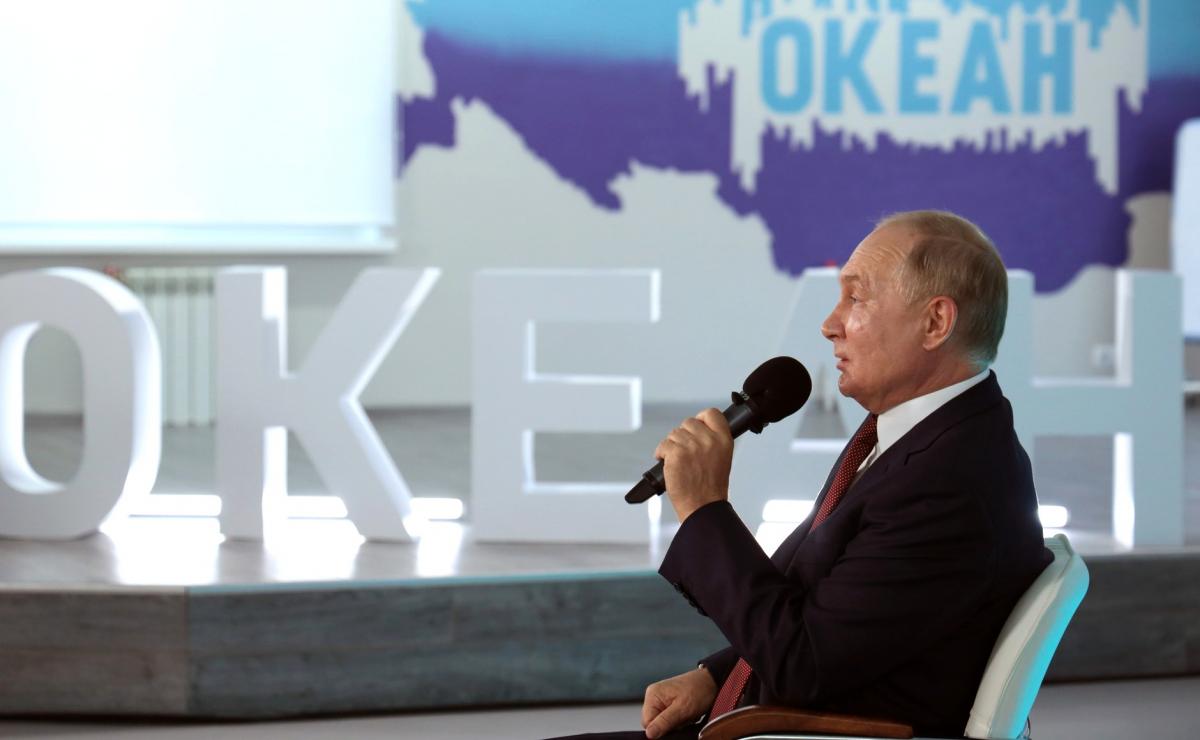 Владимир Путин преподал урок детям 1 сентября