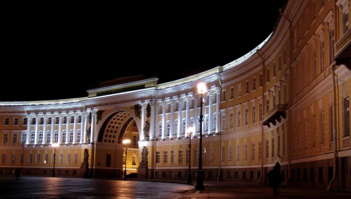На фасаде Главного штаба в Петербурге покажут исторический 3D-спектакль