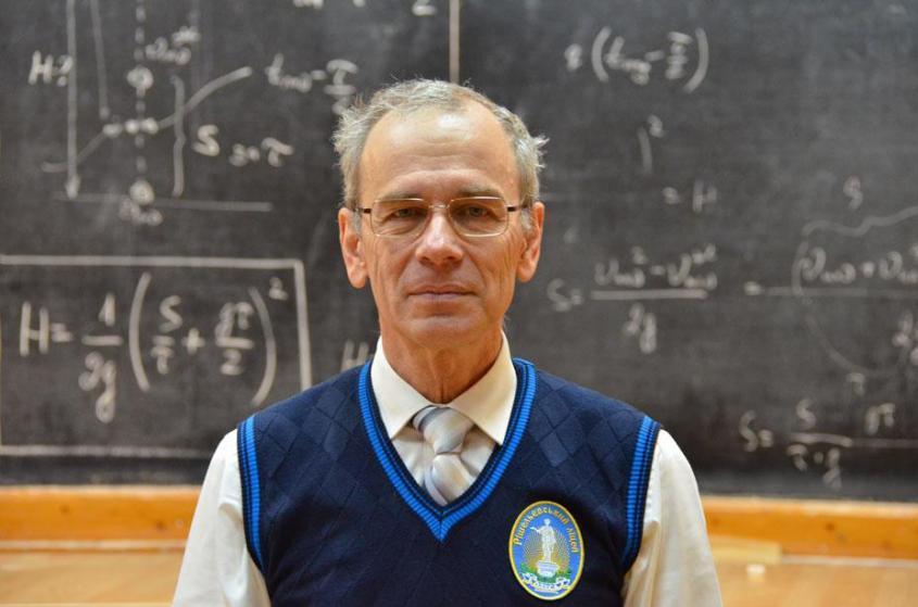 Учитель из Одессы записал 474 бесплатных видеоурока по физике. Их посмотрели более 20 миллионов раз