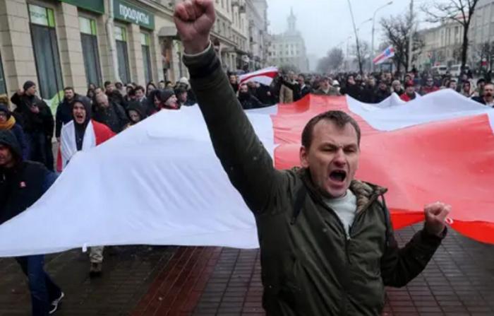 Протесты в Белоруссии мелких лавочников: кружевные трусики вместо «колхозов»