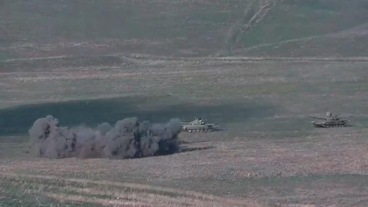 Минобороны Армении опубликовало видео уничтожения азербайджанских танков