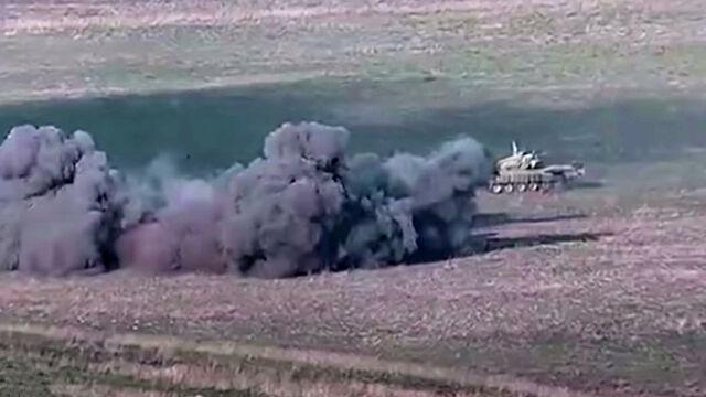 В Армении объявили военное положение и всеобщую мобилизацию
