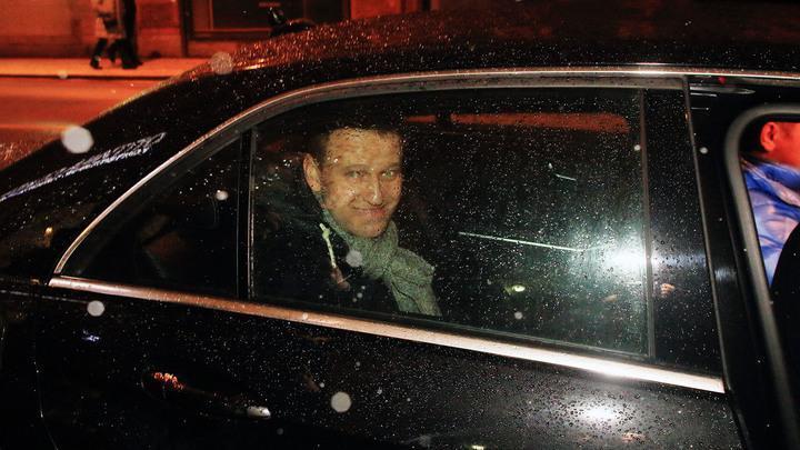 Меркель поставила Навальному фатальную подножку на его политическом пути