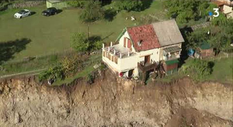 На юго-востоке Франции шторм «Алекс» снес десятки домов