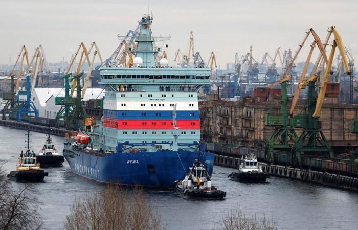 Атомный ледокол «Арктика» в ходе испытаний достиг Северного полюса Земли